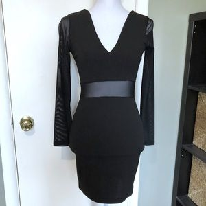 NWT Windsor Long Sleeve Little Black Dress Small